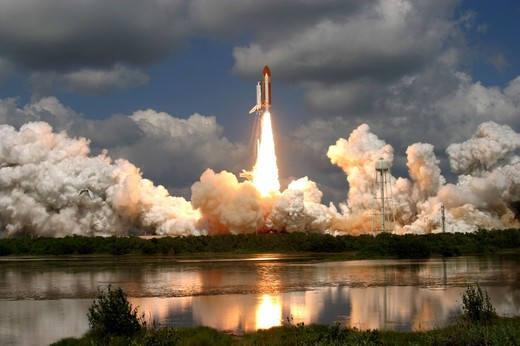 Shuttle-launch-2-thumb-520x346